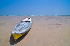 Free Small Boat On The Beach Royalty Free Stock Photo - 15612425
