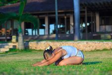 Free Young Woman Doing Yoga Exercise Outdoors Royalty Free Stock Photo - 15613175