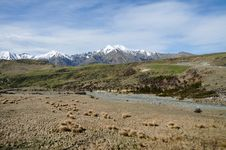 Free Plains And Peaks Of The Arthur S Pass Stock Photo - 15615570