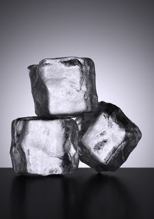 Free Cubes Of Ice, Stock Photo - 15617520