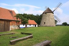 Free Windmill Royalty Free Stock Images - 15619209