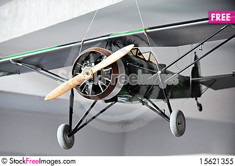 Free Plane In Front. Royalty Free Stock Photo - 15621355