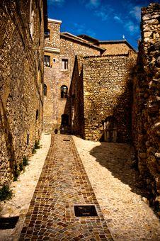Free Romantic Old Italian Stone Building, And Blue Sky Stock Photos - 15621103