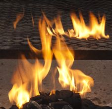 Free Flames On Charcoal Barbecue Royalty Free Stock Photography - 15621537