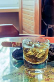 Free Whisky And Cigar Stock Images - 15624314