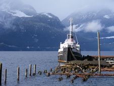 Free Blue Mountains Tugboat Royalty Free Stock Photography - 15624957