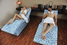 Young Couple Relax At Wellness And Spa Treatment Royalty Free Stock Images