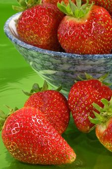 Close Up Of Strawberries In A Bowl. Stock Images