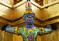 Free Golden Statue Stock Images - 15631054