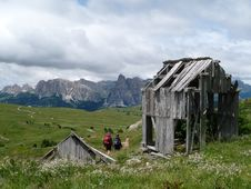 Wooden Hut In The Dolomites Royalty Free Stock Photos