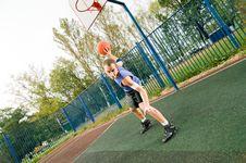 Free Street Basketball Player Royalty Free Stock Photo - 15639375
