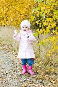 Free Standing Little Girl Stock Images - 15642214