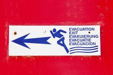 Free Escape To The Exit Sign Red Alert Indication Flee Stock Photos - 15642393
