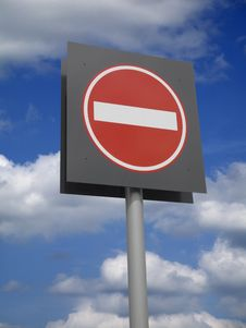 Free No Entry Sign With Blue Sky Royalty Free Stock Photos - 15650178