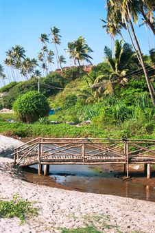 Free Wooden  Bridge Cross A Small River On Goa Coast Royalty Free Stock Images - 15651329