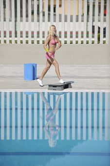 Free Fitness Exercise At Poolside Royalty Free Stock Photography - 15658627