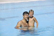 Free Happy Father And Son At Swimming Pool Royalty Free Stock Photos - 15660368