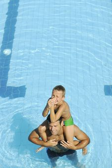 Free Happy Father And Son At Swimming Pool Stock Photos - 15660493