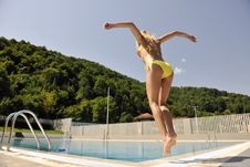 Free Woman Relax On Swimming Pool Royalty Free Stock Image - 15661026