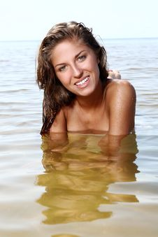 Free Sexy And Beautiful Woman In The Water Royalty Free Stock Photos - 15663668