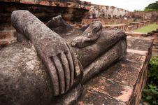 Free Ruin Stone Buddha Stock Images - 15666904
