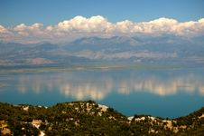 Free Gorgeous Picturesque Scene Of Lake Skadar In Monte Stock Image - 15671201