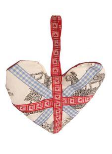 Free Union Jack Fabric Heart Decoration Royalty Free Stock Images - 15671409