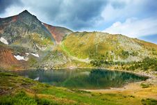 Free Beauty Lake In Mountains Royalty Free Stock Images - 15676749