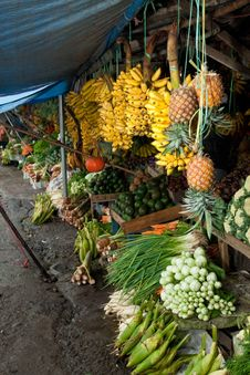 Fresh Fruit And Vegetables Traditional Market Royalty Free Stock Photos
