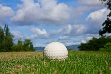 Free Golfball On Course And Blue Sky Stock Photography - 15677502