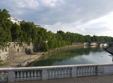 Free Tiber River Rome Royalty Free Stock Image - 15682966