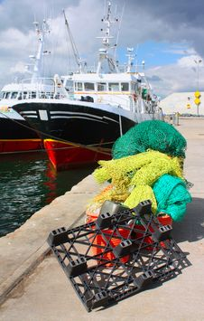 Free Fishing Nets And Boat Royalty Free Stock Images - 15683019