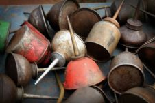Free Vintage Oil Cans Royalty Free Stock Photos - 15684638