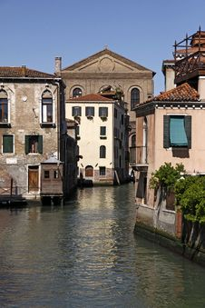 Free Venice, Canal With Beautiful Old Houses Stock Photography - 15685892