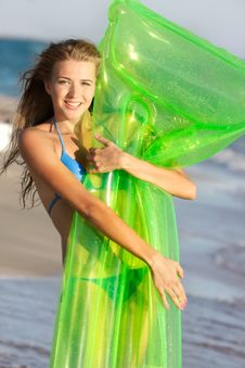 Free Attractive Girl On Beach Royalty Free Stock Photo - 15686975
