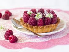 Free Fresh Raspberry Tart Royalty Free Stock Photos - 15696108