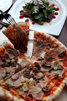 Free Best Pizza Stock Photos - 15696893