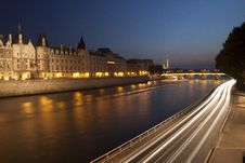 Free Seine At Night Royalty Free Stock Photo - 15699175