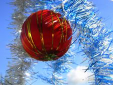 Free Christmas Ball In Blue Royalty Free Stock Photos - 1571868