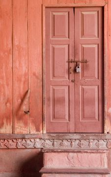 Free Locked Door Of A House Stock Photography - 1576192