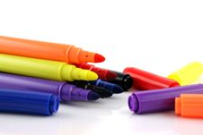Free Felt Pens With Lids Next To Them Royalty Free Stock Images - 1579159