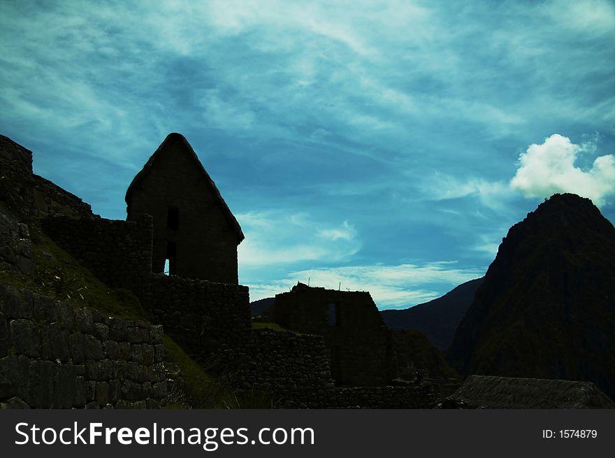Machu-Picchu silhouette