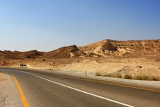 Free Road In The Desert Royalty Free Stock Photos - 15705518