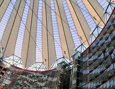 Free Sony Center Berlin Royalty Free Stock Photography - 15705647