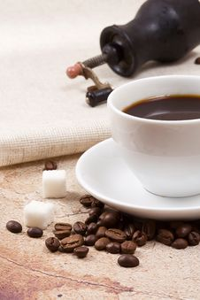 Free Cup Of Coffee And Grinder Stock Images - 15707424