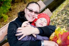 Free Mother And Child In Autumnal Park Royalty Free Stock Photos - 15707458