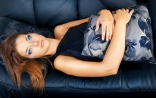 Free Young Glamour Girl On  The Couch Stock Images - 15710044