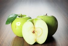 Free Apples Stock Photos - 15710593