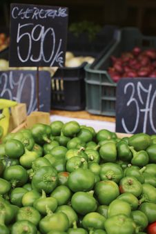 Free Organic Green Peppers Stock Photos - 15712393