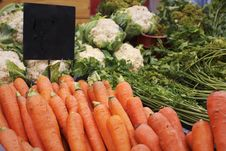 Free Carrots On The Farmer S Market Royalty Free Stock Photos - 15712408